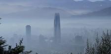 Morir por respirar: entre la emergencia sanitaria y la injusticia ambiental de la nube que envuelve a Santiago