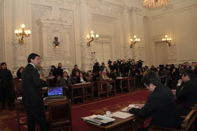 Ministerio del Medio Ambiente propone restricción para vehículos con sello verde y la prohibición del uso de leña en la Región Metropolitana 2