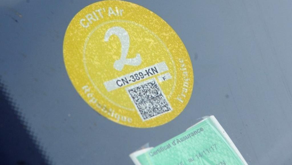 París estrena sistema para que sólo circulen los vehículos menos contaminantes 2