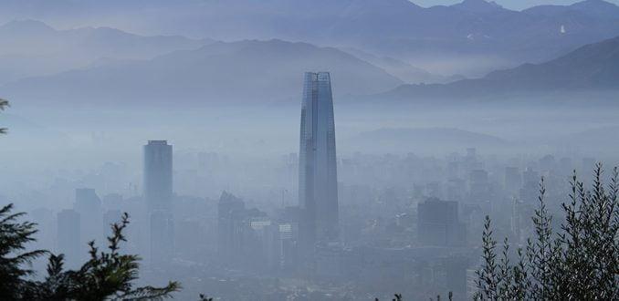 Morir por respirar: entre la emergencia sanitaria y la injusticia ambiental de la nube que envuelve a Santiago 2
