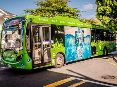 Santiago con buses no contaminantes y energía limpia 2